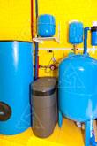 Фото напольного водонагревателя Buderus Logalux SU и системы водоподготовки AquaDean PRO