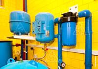 Фильтр водоочистки, гидроаккумулятор и расширительный бак